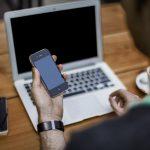 6 Objets pouvant faire office de supports pour votre smartphone