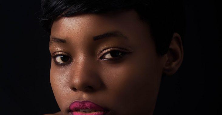 4 étapes pour bien maquiller une peau noire